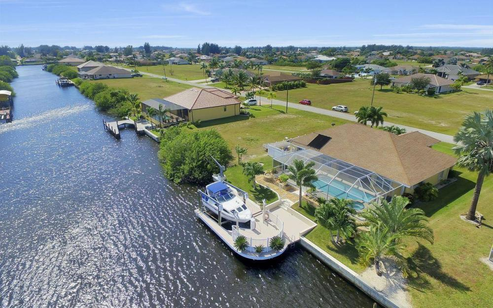 523 NW 35th Pl, Cape Coral - Home For Sale 126371558