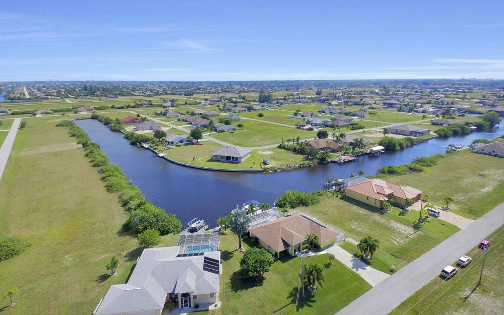 523 NW 35th Pl, Cape Coral - Home For Sale 475186791