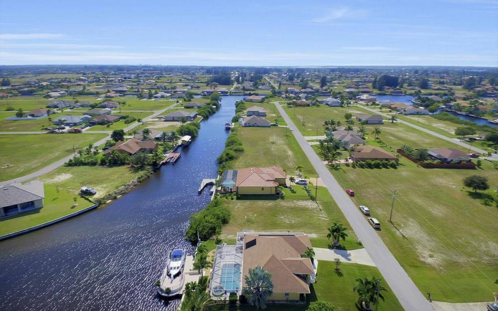 523 NW 35th Pl, Cape Coral - Home For Sale 610286755