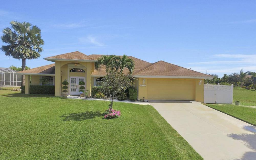 523 NW 35th Pl, Cape Coral - Home For Sale 1573949752