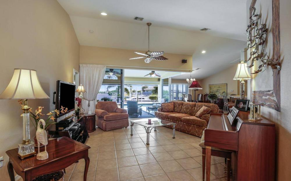 523 NW 35th Pl, Cape Coral - Home For Sale 2080285256