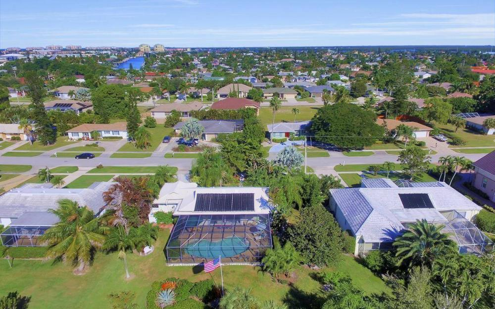 1265 Fruitland Ave, Marco Island - Home For Sale 541303532