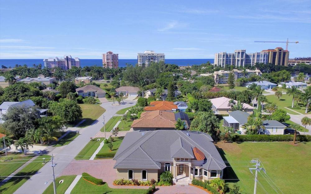 512 Landmark St, Marco Island - Home For Sale 379381515