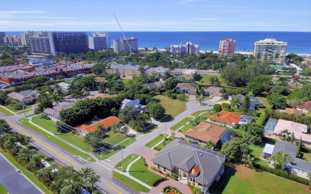 512 Landmark St, Marco Island - Home For Sale 769654816