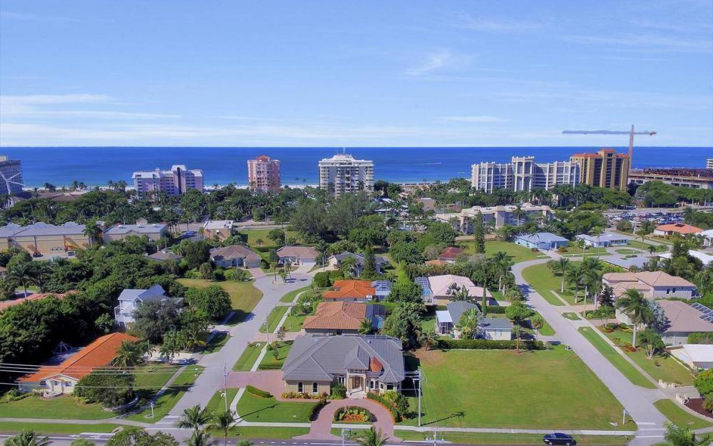 512 Landmark St, Marco Island - Home For Sale 920664963