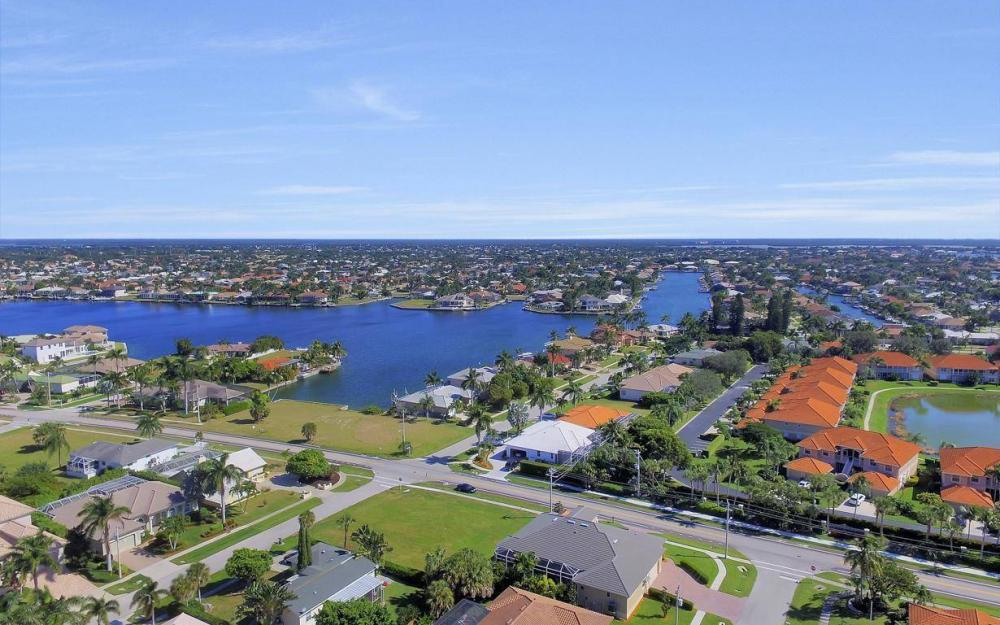 512 Landmark St, Marco Island - Home For Sale 1547782168