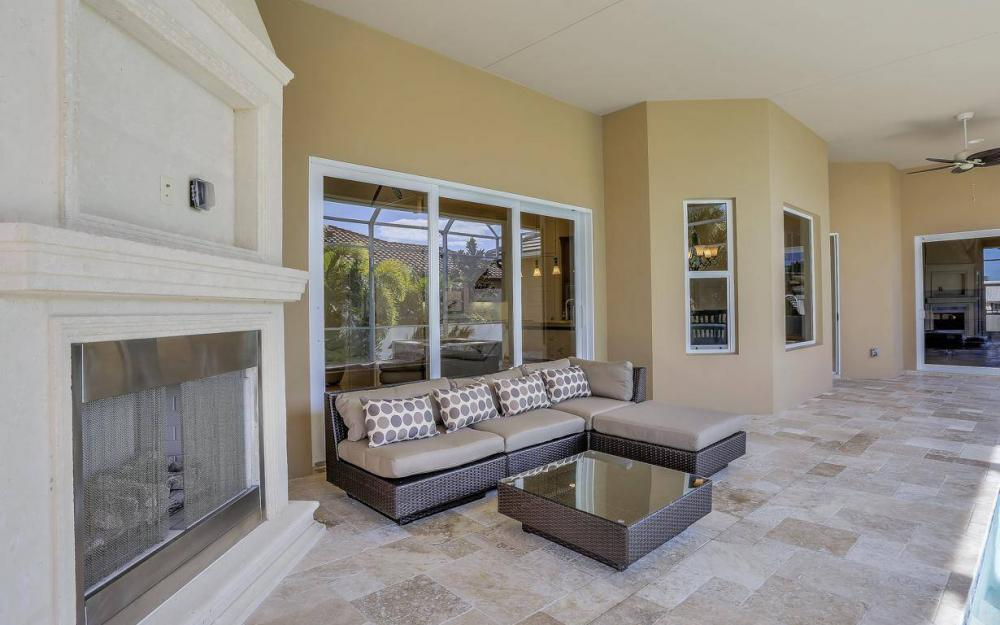 512 Landmark St, Marco Island - Home For Sale 2143291755