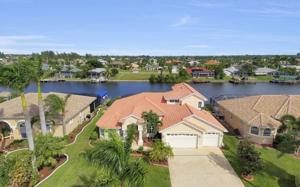 2633 SW 43rd Terrace, Cape Coral - Home For Sale 344244946