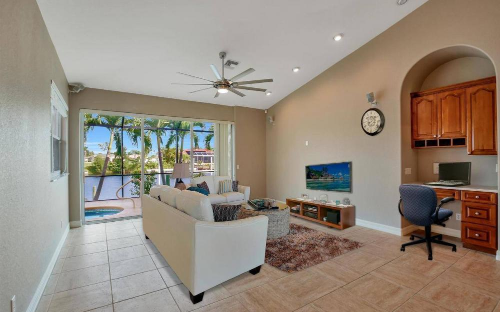2633 SW 43rd Terrace, Cape Coral - Home For Sale 806121743