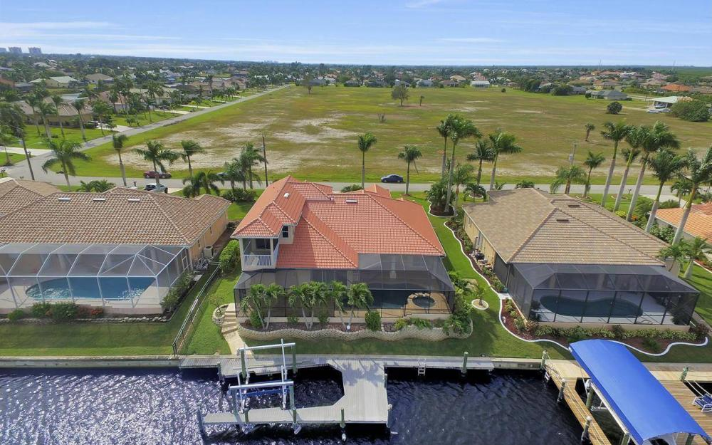 2633 SW 43rd Terrace, Cape Coral - Home For Sale 819028611