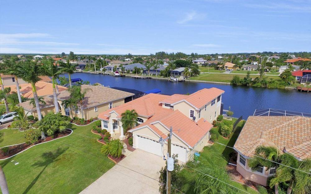 2633 SW 43rd Terrace, Cape Coral - Home For Sale 389058098