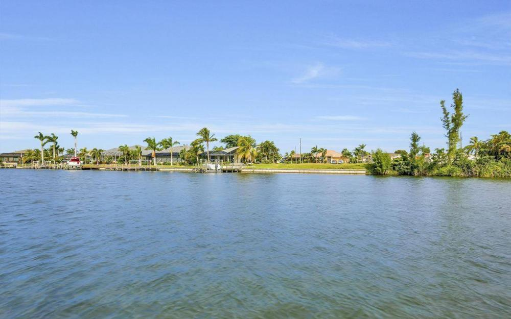 2633 SW 43rd Terrace, Cape Coral - Home For Sale 1143238192
