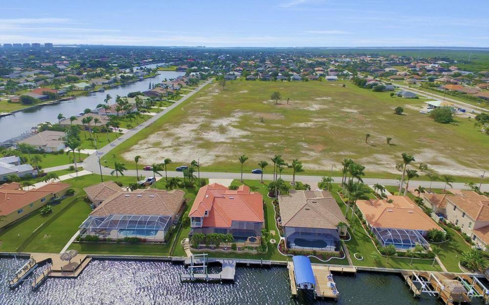 2633 SW 43rd Terrace, Cape Coral - Home For Sale 364164001