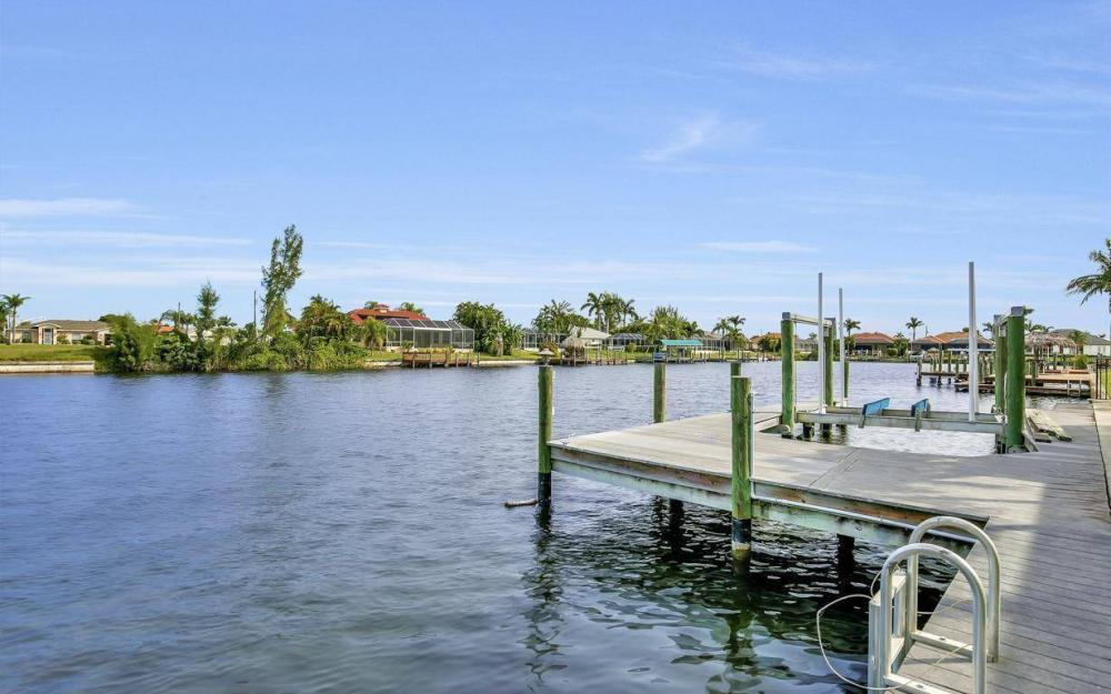 2633 SW 43rd Terrace, Cape Coral - Home For Sale 539856457