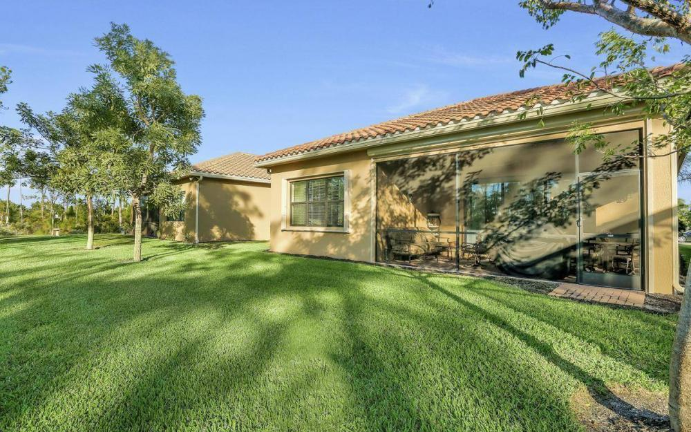 3487 Pacific Dr, Naples - Home For Sale 339334057