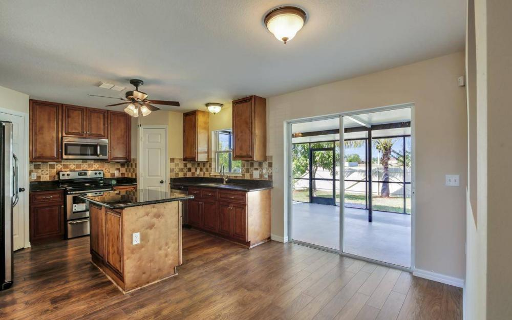 1211 SW 1st St, Cape Coral - Home For Sale 1660009793