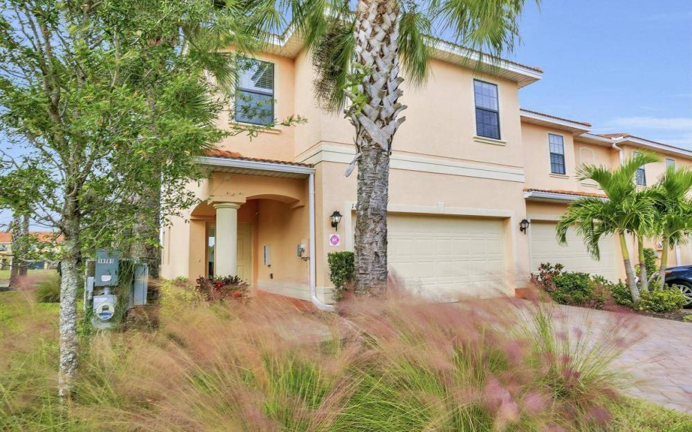 14779 Sutherland Ave, Naples - Home For Sale 660178790