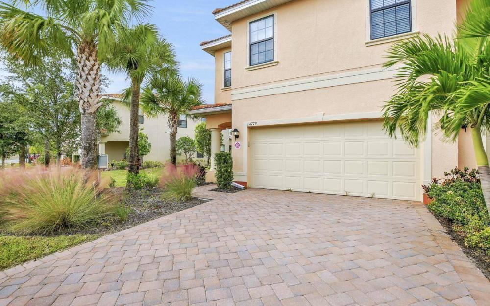 14779 Sutherland Ave, Naples - Home For Sale 1834147558