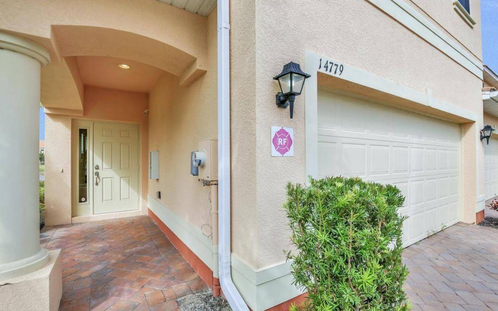 14779 Sutherland Ave, Naples - Home For Sale 697930028