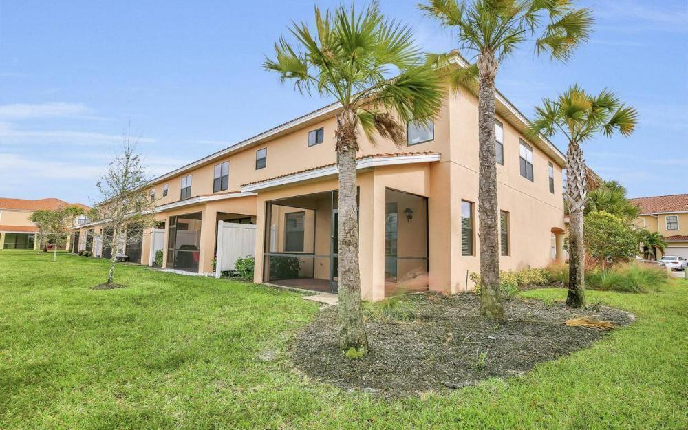 14779 Sutherland Ave, Naples - Home For Sale 10355760