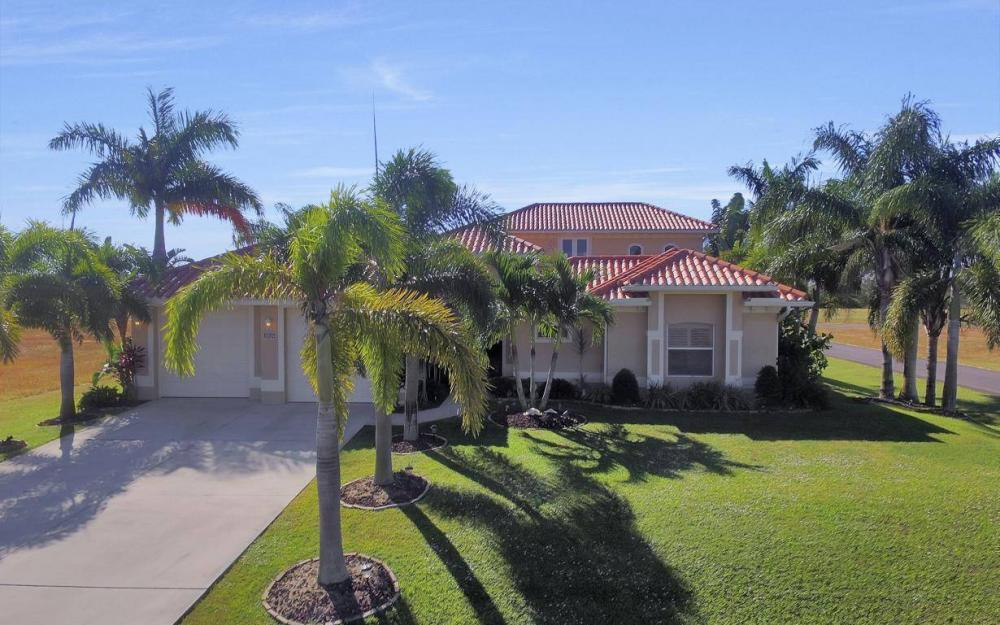1926 NW 27th Ter, Cape Coral - Home For Sale 480404371
