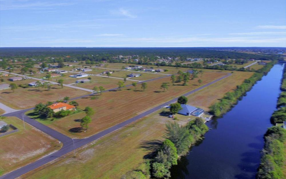 1926 NW 27th Ter, Cape Coral - Home For Sale 1519027373