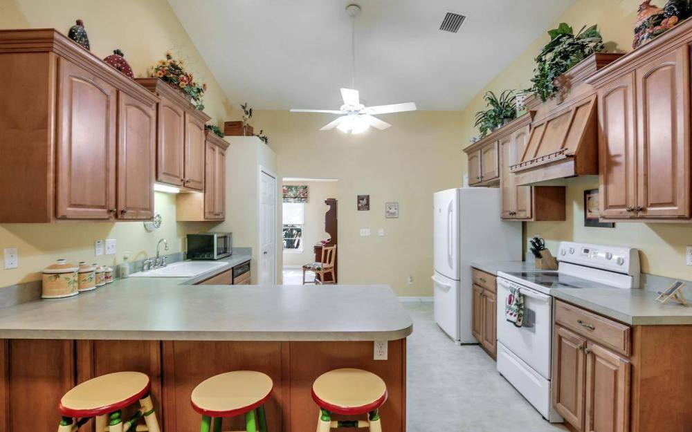 3706 Manatee Dr, St James City - Home For Sale 1410675695