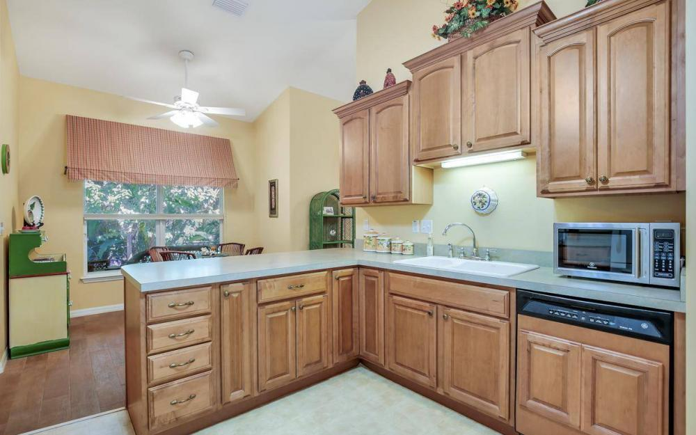 3706 Manatee Dr, St James City - Home For Sale 1143573370