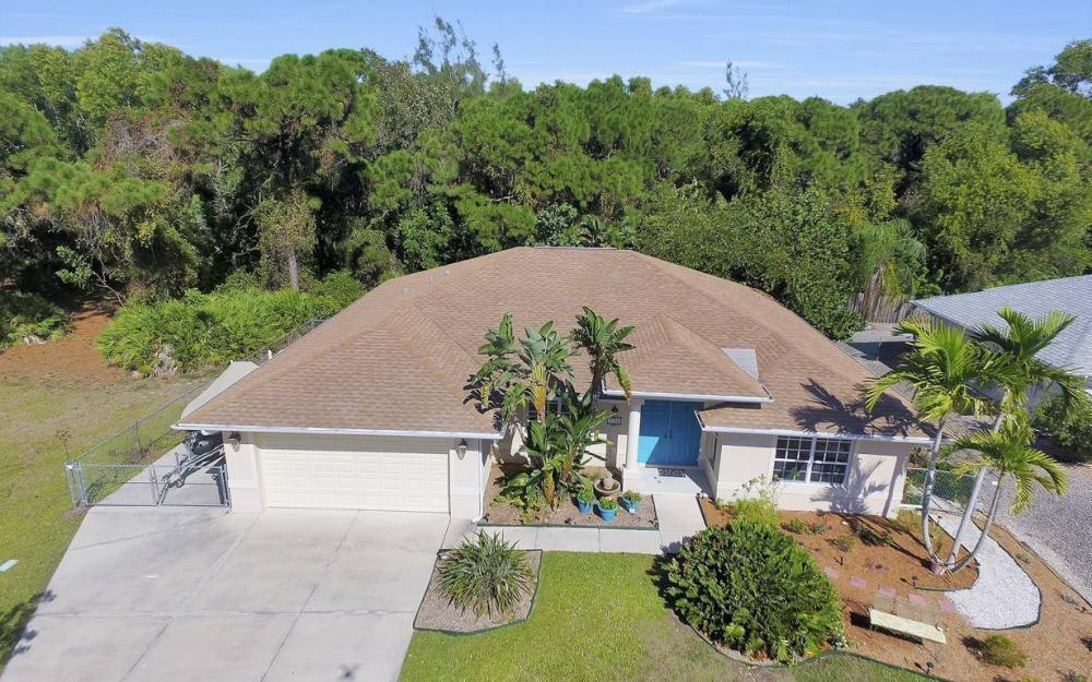 3706 Manatee Dr, St James City - Home For Sale 1879792957