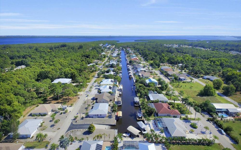 3706 Manatee Dr, St James City - Home For Sale 816589436