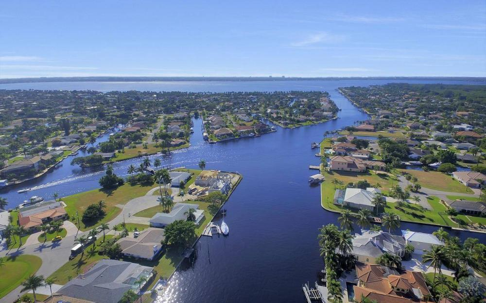 109 SW 50th St, Cape Coral - Home For Sale 236905644