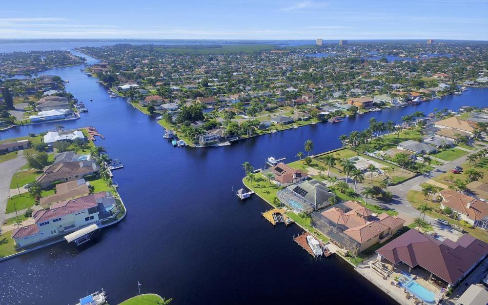 109 SW 50th St, Cape Coral - Home For Sale 2029576379