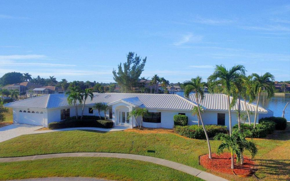 490 Balsam Ct, Marco Island - Home For Sale 75236560