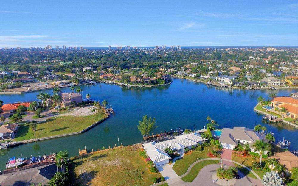 490 Balsam Ct, Marco Island - Home For Sale 954831324