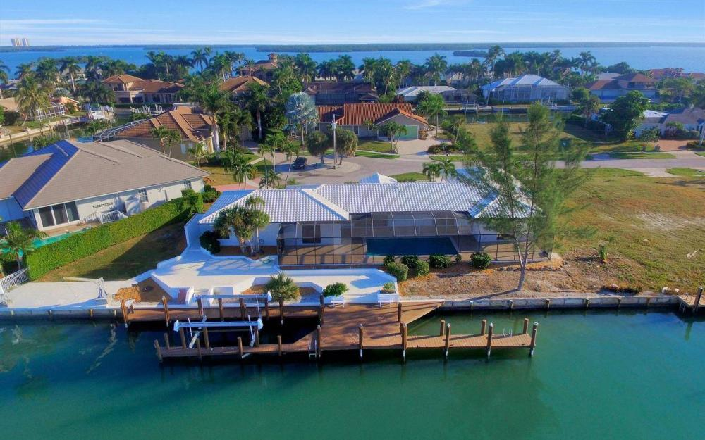 490 Balsam Ct, Marco Island - Home For Sale 690704226