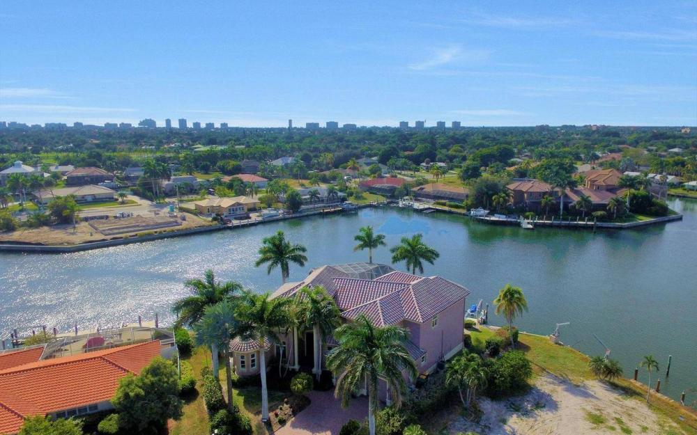 482 Tarpon Ct, Marco Island - Home For Sale 93541029