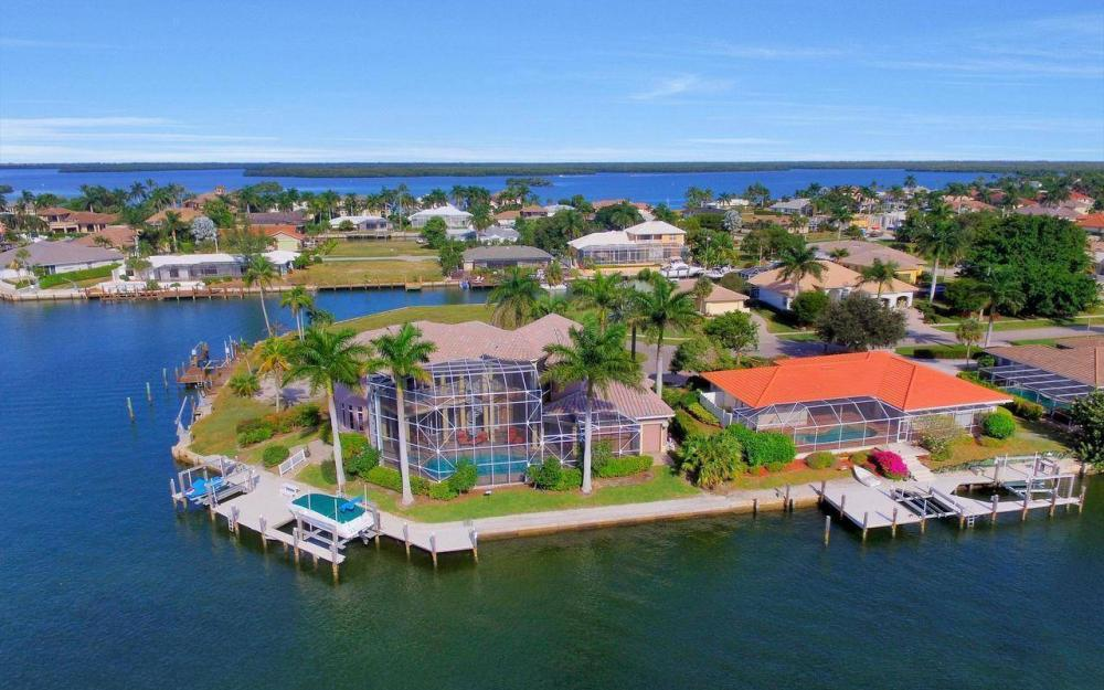 482 Tarpon Ct, Marco Island - Home For Sale 1014874601