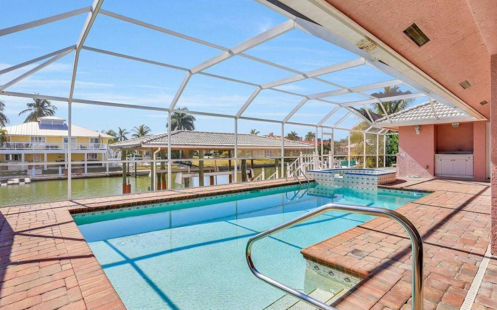 1071 Winterberry Dr, Marco Island - Home For Sale 1032127846