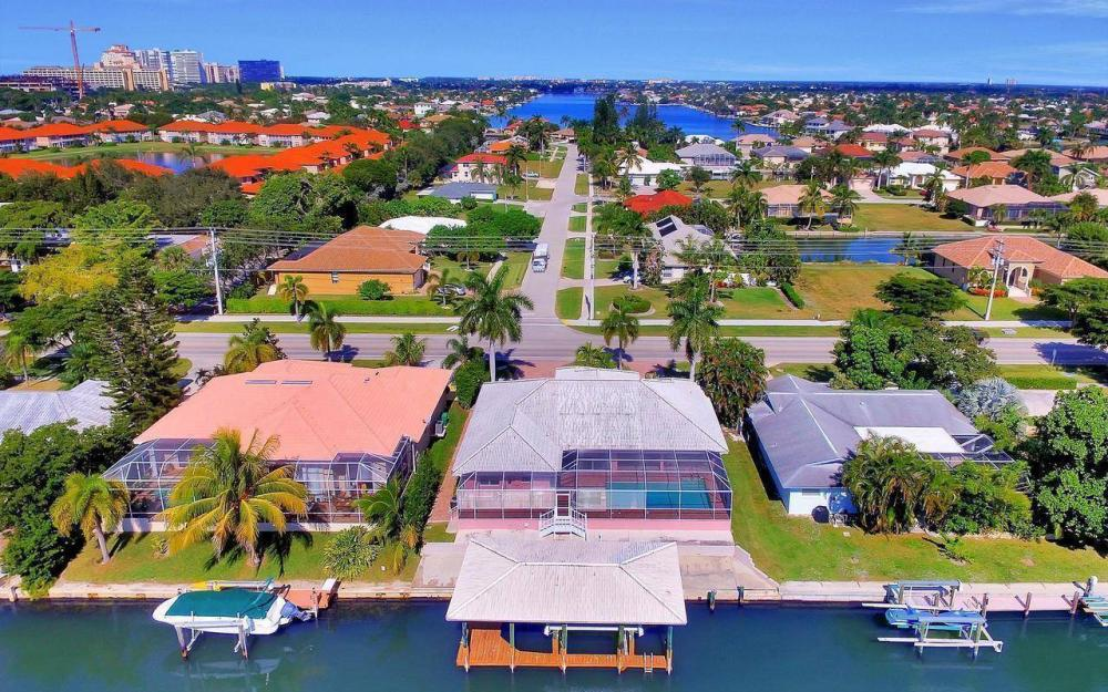1071 Winterberry Dr, Marco Island - Home For Sale 724348613