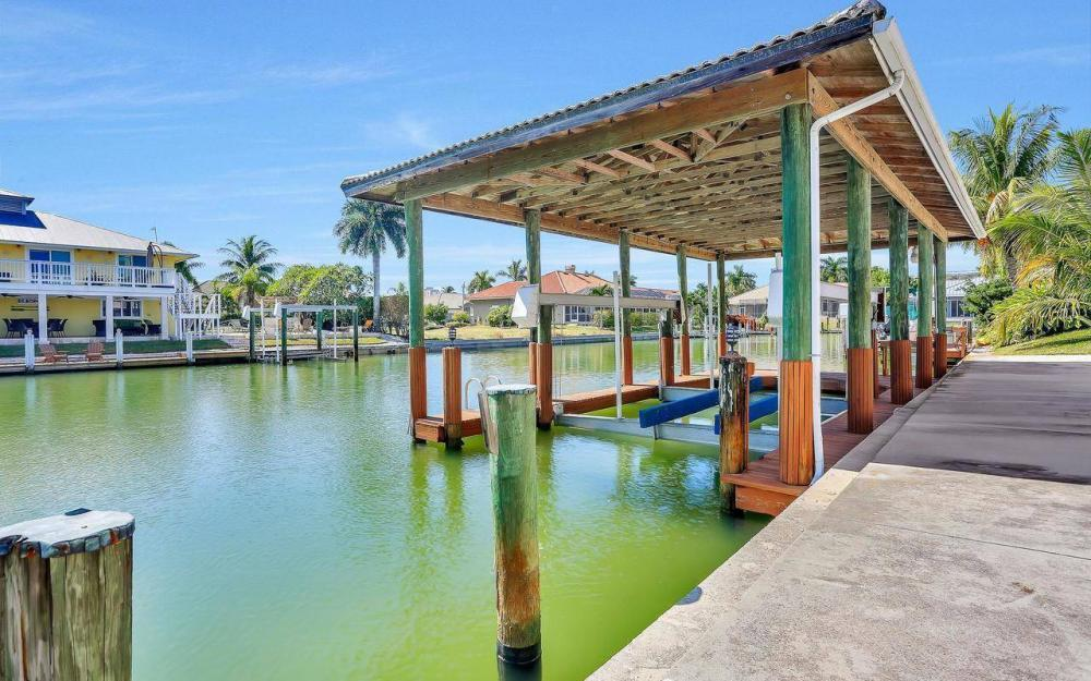 1071 Winterberry Dr, Marco Island - Home For Sale 2097152524