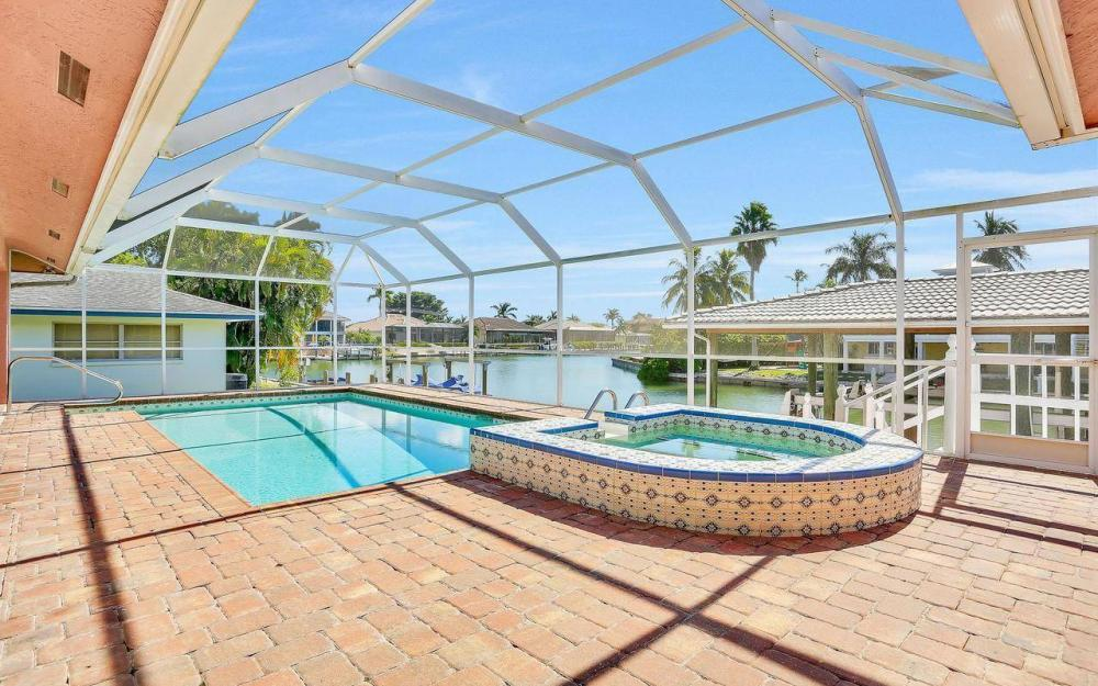 1071 Winterberry Dr, Marco Island - Home For Sale 1912104870