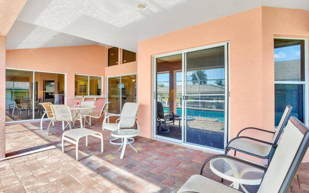 1071 Winterberry Dr, Marco Island - Home For Sale 96979851