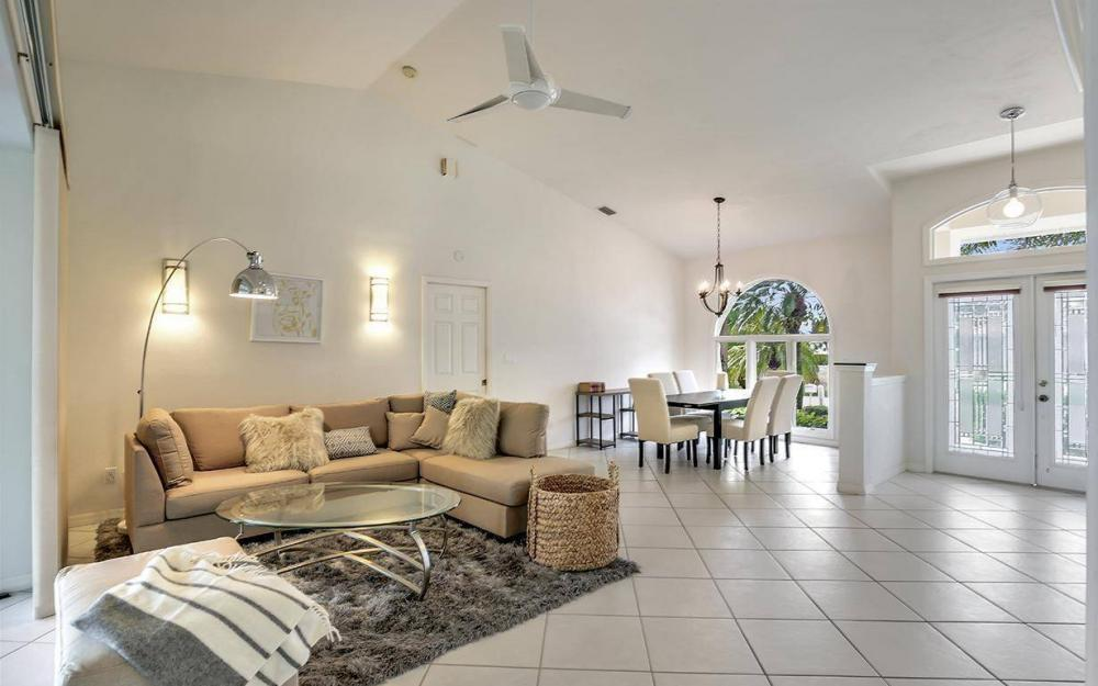 37 Templewood Ct, Marco Island - Home For Sale 323688940