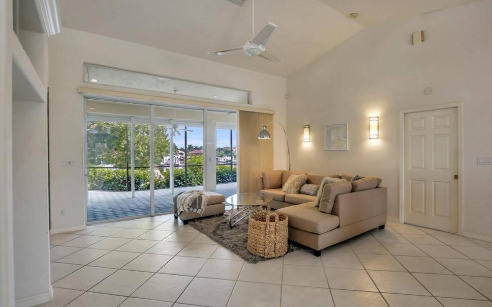 37 Templewood Ct, Marco Island - Home For Sale 682564823