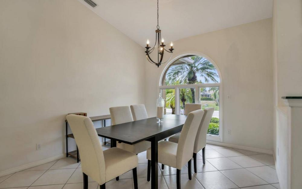 37 Templewood Ct, Marco Island - Home For Sale 1090868207