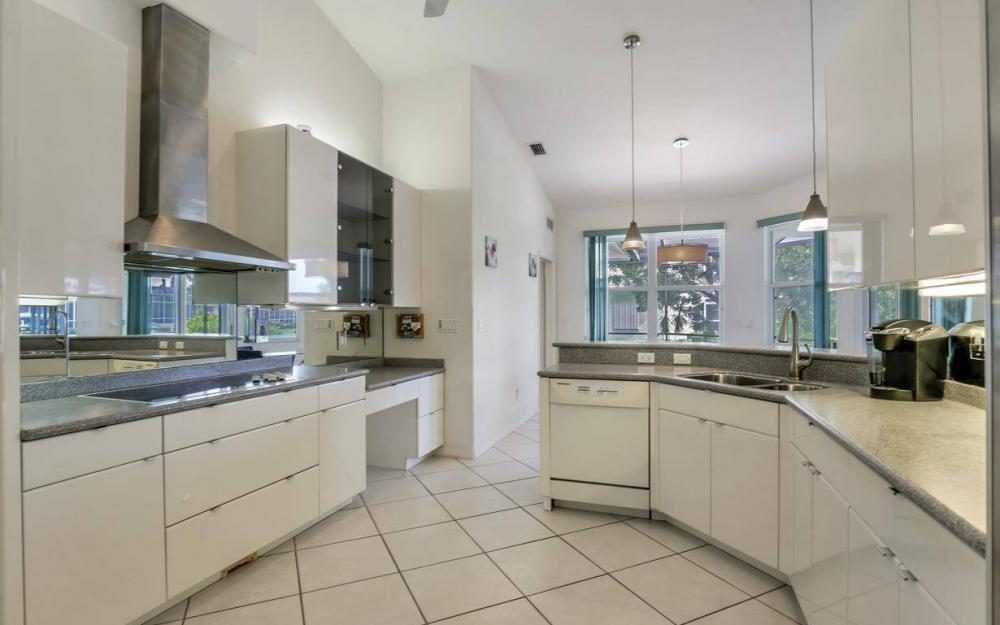 37 Templewood Ct, Marco Island - Home For Sale 1618971308