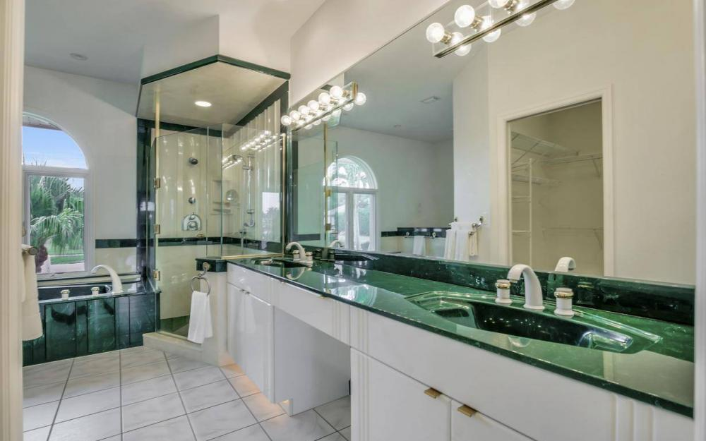 37 Templewood Ct, Marco Island - Home For Sale 776270452