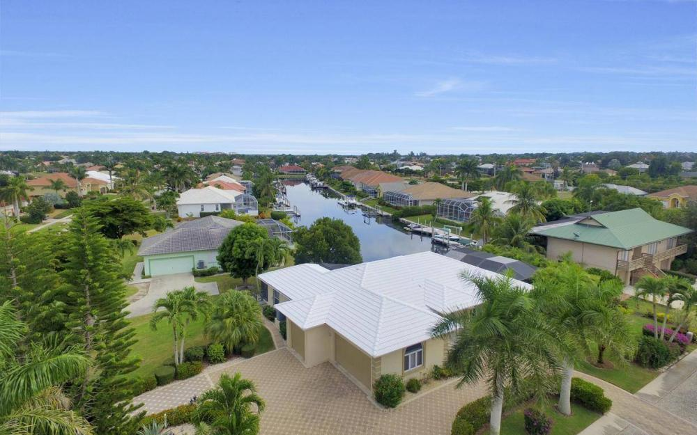 37 Templewood Ct, Marco Island - Home For Sale 511644034