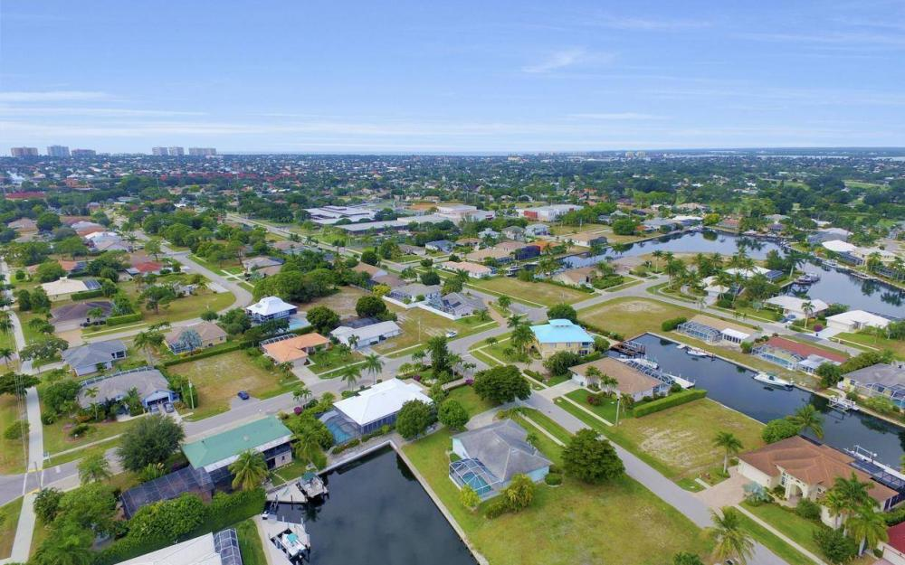 37 Templewood Ct, Marco Island - Home For Sale 535067334