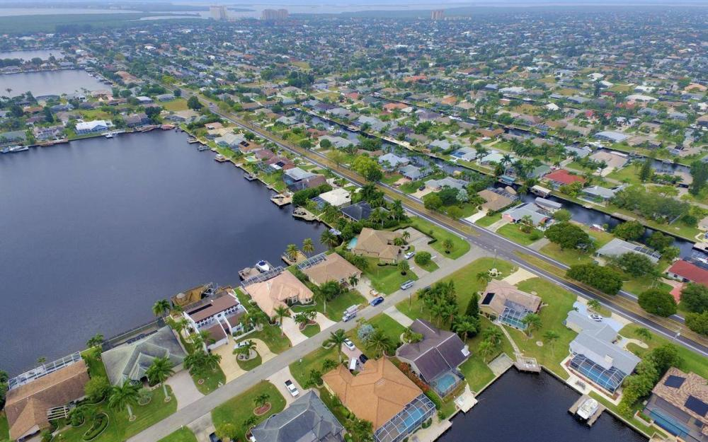 717 SW 49th Ln, Cape Coral - Home For Sale 484673214